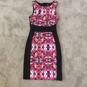 Block floral pattern pencilskirt sleeveless fitted